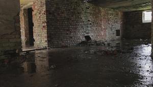 Wasser, Beton, Gewalt / Water, Concrete, Violence
