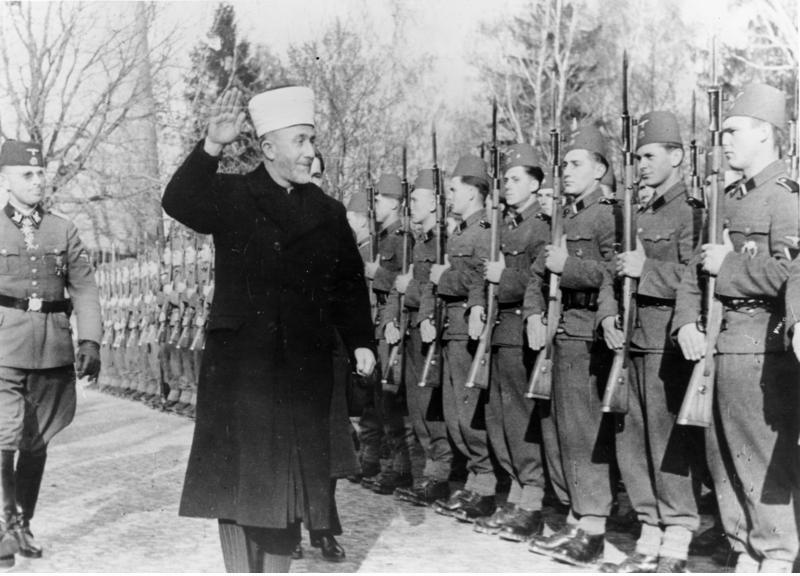 Amin al Husseini bei bosnischen SS-FreiwilligenjerlerupAdolf Hitler talking to Grand Mufti Haj Amin el Husseini. (Photo by Keystone/Getty Images)ladda-ned-1norge