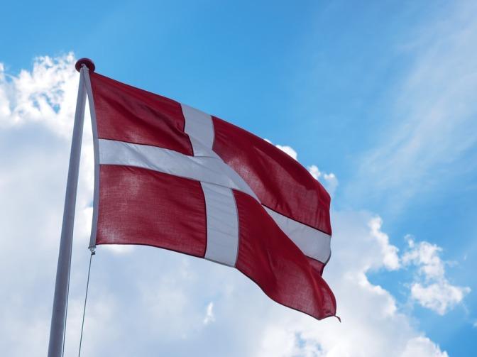 Vem har rätt att kalla sig dansk?