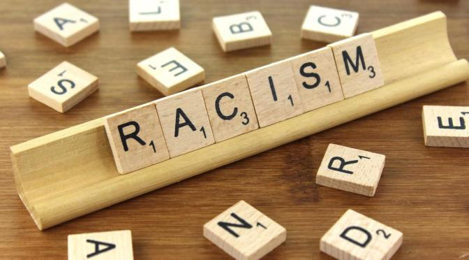 """""""Jag hatar inte alla, därför kan jag inte vara rasist!"""""""