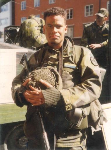 Thabo på övning med Svea Livgarde i Stockholm - våren 1997