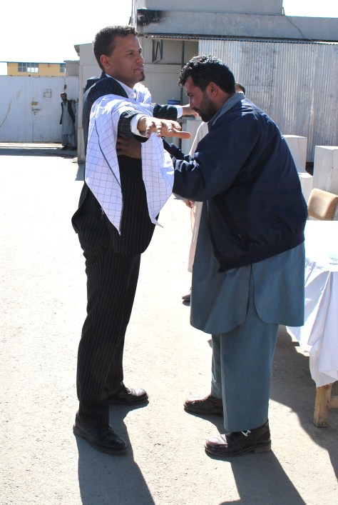 Bild från Afghanistan 2 - välkomstkramar i Kabul