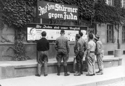 Anpasslingar eller övertygade nazister?