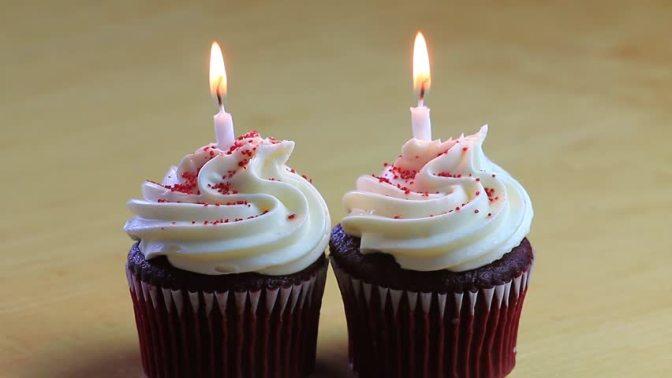 """Samhällsnytt avslöjar fysisk omöjlighet: """"Aghanledaren Omid har två födelsedagar"""""""