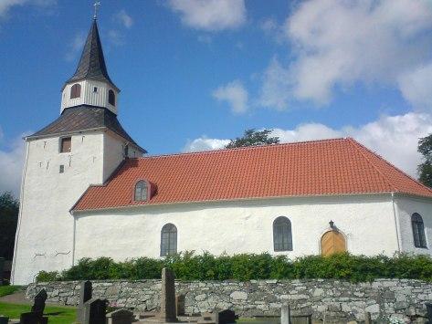 Kareby_kyrka_från_söder